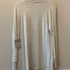 ATHLETA GRAY TOP